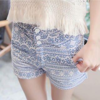 Tokyo Fashion - Patterned Cuffed Shorts