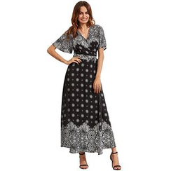 Hotprint - Patterned V-Neck Slit Maxi Dress