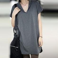 Blue Belle - Short-Sleeve V-Neck T-Shirt
