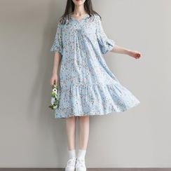 Clover Dream - Floral Print Elbow Sleeve Dress