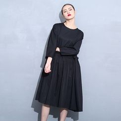 Porta - Plain Long-Sleeve Dress