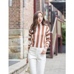GUMZZI - Mock-Neck Striped Knit Top