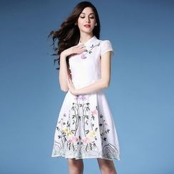 Elabo - Short-Sleeve Embroidered Dress
