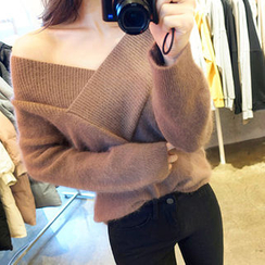 chuu - V-Neck Wool Blend Furry-Knit Top