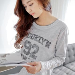 Styleberry - Long Sleeve Lettering T-Shirt