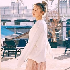 chuu - Crew-Neck Loose-Fit Knit Top