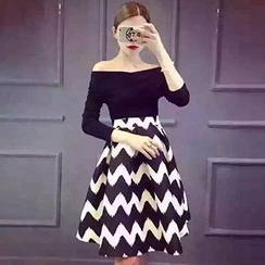 Cloud Nine - Set: Off-Shoulder Top + Chevron Print Skater Skirt