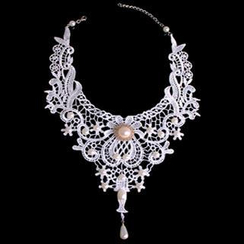 Fit-to-Kill - Lace Vintage Necklace