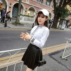 RUI - Bow / Hoop Accent Blouse