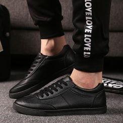 MR.GONG - 纯色人造皮休閒鞋