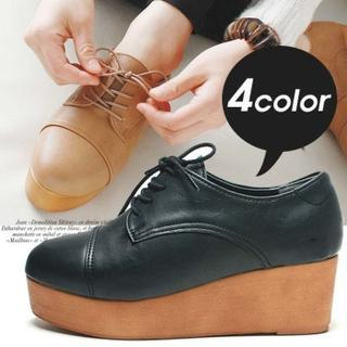 Reneve - Lace-Up Platform Oxfords