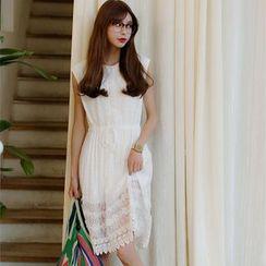 Porta - Sleeveless Lace Dress