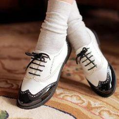 幸福鞋坊 - 雙色翼紋漆皮牛津鞋