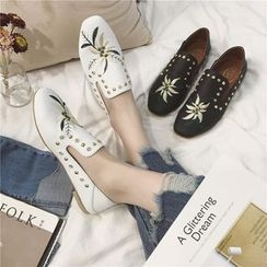 Hipsole - Studded Embroidery Loafers