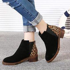 Mancienne - Leopard Print Panel Ankle Boots