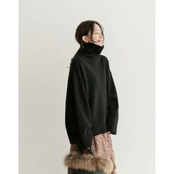 UPTOWNHOLIC - Turtle-Neck Wool Knit Top