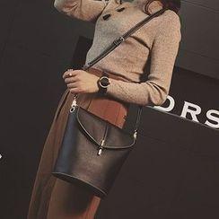 Denyard - Faux-Leather Cross Bag