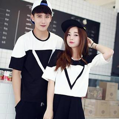 Lovebirds - Short-Sleeved Print Couple T-Shirt