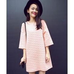 Eva Fashion - 3/4-Sleeve Embossed Dress