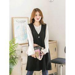 LOLOten - V-Neck Sleeveless Knit Shift Dress