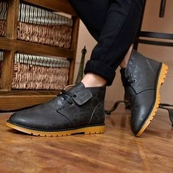 Chariot - Lace-Up Chukka Boots