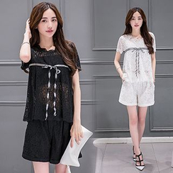 Ashlee - 套装: 短袖蕾丝上衣 + 短裤
