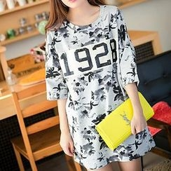 Classic Lady - Floral Elbow-Sleeve Oversized T-Shirt