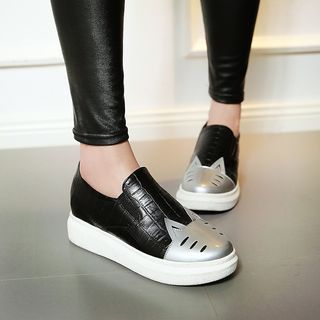 Pretty in Boots - Cat Platform Slip-Ons