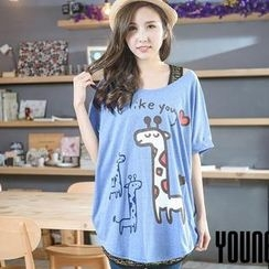 YoungBaby - Short-Sleeved Giraffe- Print Loose-Fit T-Shirt