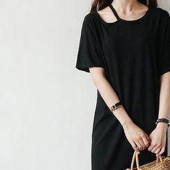 STYLEBYYAM - Cutout Neckline Midi T-Shirt Dress