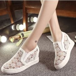 Yuki Yoru - Hidden Wedge Lace Slip-Ons