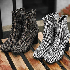 chuu - Cylinder-Heel Fringed Houndstooth Ankle Boots