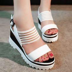Simply Walk - 厚底船跟涼鞋
