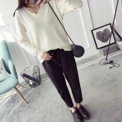Qimi - Distressed V-Neck Sweater