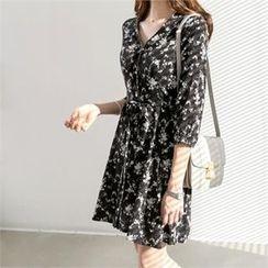 PEPER - V-Neck Patterned Dress