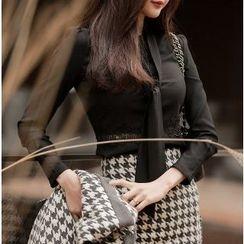 Yilda - 长袖领系带衬衫