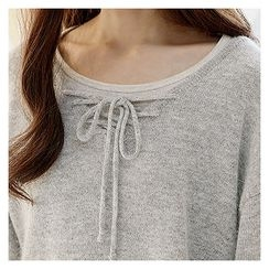 Sechuna - Drop-Shoulder Lace-Up Knit Top