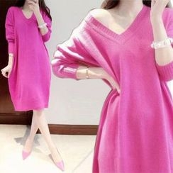 Lovebirds - V-Neck Sweater Dress