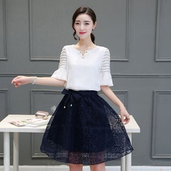 EFO - 套装:荷叶雪纺衬衫 + A字裙