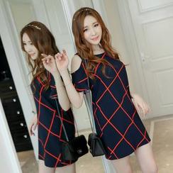 YUMU - Cut Out Shoulder Short Sleeve Printed Dress