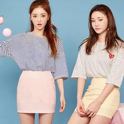 chuu - 圆领条纹 T 恤