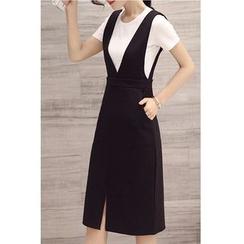 Dowisi - Set: Plain Short-Sleeve T-Shirt + V-Neck Pinafore Dress