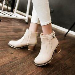 缤纷女鞋 - 粗跟扣带短靴
