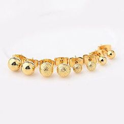 Nanazi Jewelry - Ball Ear Studs