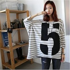Showgle - Stripe Oversized T-Shirt