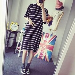Bloombloom - Striped Midi T-Shirt Dress