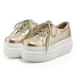 缤纷女鞋 - 厚底系带鞋