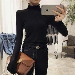 OCTALE - High Neck Long-Sleeve T-Shirt