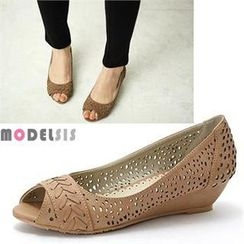 MODELSIS - Perforated Open-Toe Wedges