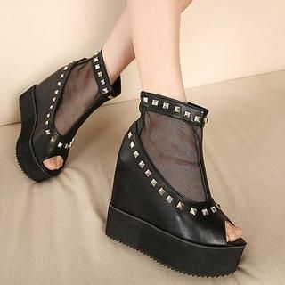 Mancienne - Platform Studded Wedge Mesh Sandals